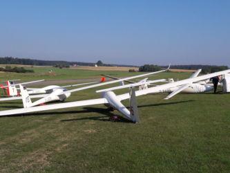 Der frühe Vogel... - An einigen Tagen waren alle Flugzeuge noch vor dem Frühstück aufgerüstet